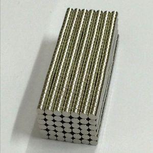 100PCS 3mm X 2mm N50 자성 재료 네오디뮴 자석 미니 작은 원형 디스크