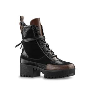 Venta al por mayor Diseñador de lujo para mujer Zapatos de senderismo de cuero desierto Botas de invierno Botas de nieve bota de plataforma Botas de trabajo al aire libre Botines de ocio