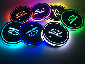 2Pcs / set Chevrolet Chevy logo del marchio Atmosfera Luce automobile ha condotto Acqua Brillante tazza del rilievo Groove Mat Luminous Coasters