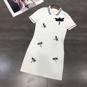 2018 preto / whte / red lapela pescoço mangas curtas mini mulheres dress high end botões libélula applique bodycon vestidos mulheres dh10