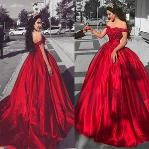 2019 robes de Quinceanera Modest Off épaule Satin Rouge formelle robes de soirée sweetheart paillettes dentelle Applique robe de bal robes de bal BA9174