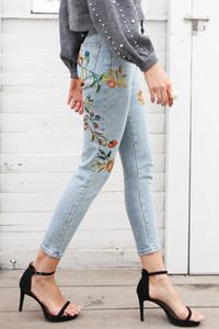 Broderie Florale Femmes Jeans Pantalon Casual Jeans Taille Haute Femme Bleu Clair Denim Jeans Crayon Pantalon Crayon Zip Fly