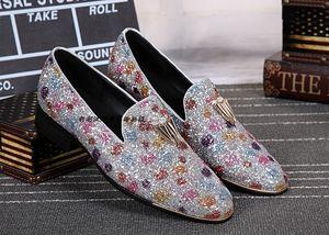 2018 Herren Loafers Stone Studded Schuhe Bling Bling Loafer Schuhe Herren Smoking Slippers Freizeit Wohnungen Red Bottom Dress Schuhe Wohnungen