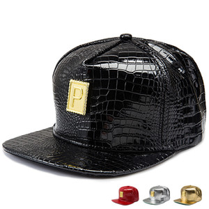 펑크 스타일 황금 PU 가죽 P 로고 야구 모자 남자 여자 Gorras Snapback Hat 다이아몬드 모조 다이아몬드 악어 힘 힙합 모자