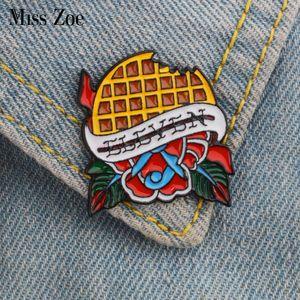 Miss Zoe ELF emaille штырьковый Wafels Broches подарков пакета Vriend TV Cartoon icoon Pin Badge Knop Revers контактный Вур Kleding Jeans крышка тас