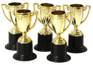 Оптовая продажа-12 шт./лот пластиковый золотой кубок трофей, дети спортивные медали победитель медаль образовательные реквизит награда творческий подарок призы игрушки для детей