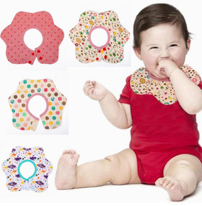 Nueva forma de la flor bebé babero de algodón saliva toalla baberos impermeable alimentación del bebé suave toalla delantal bufanda de los niños