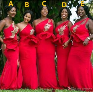Red One Shoulder Mermaid Vestidos de dama de honor de África Colmenas de cintura Apliques Vestido de dama de honor de oro con cuentas Vestido de invitados de tamaño extra grande