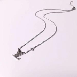 Nueva marca de joyería 316L titanio de acero 18 K plateado collar de cadena corta collar de plata colgante para pareja regalo de moda