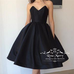 Gothic Black 1950s Short Prom Dresses 2020 A Line Sweetheart Plus Size Hasta la rodilla Chicas baratas Vestidos de fiesta de graduación formal