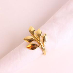 24 unids / lote SHSEJA delicado anillo de servilleta chapado de metal hoja de oro anillo de servilleta moda papel de arce hebilla toalla decoraciones de escritorio
