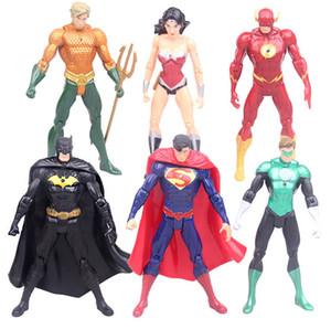 DC 코믹스의 슈퍼 히어로 완구 7PCS / 설정 슈퍼맨 배트맨 원더 우먼 플래시 그린 랜턴 아쿠아 사이보그 합성 수지의 그림