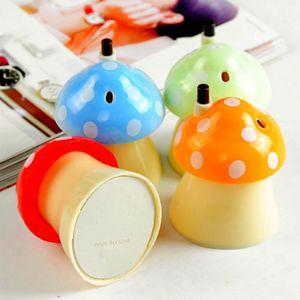 Titulares de garrafa de palito 1PC adorável bonito dos desenhos animados forma de cogumelo caixa de armazenamento de palitos de dente automático