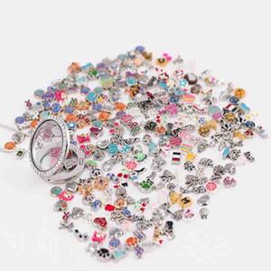 Toptan 2018 yeni türleri 200 adet (en az 200 farklı stilleri dahil edilecektir) Çinko alaşım cam yaşam lockets için karışık yüzer charms