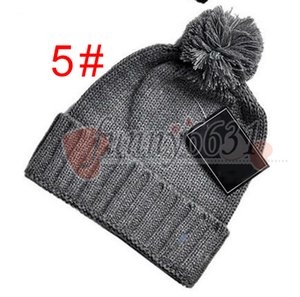 Kadınlar Erkekler Marka tarzı Moda kasketleri Skullies Chapéu İçin Kış Noel Şapka Pamuk gorros touca De Inverno Maçka şapka ücretsiz gemiyi Caps