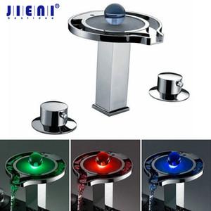 Хром твердой латуни палубе установлен водопад кран смеситель 3 шт воды мощность LED бассейна смеситель хром ванна LED кран