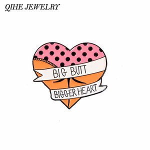 QIHE JEWELRY Butt pin Herz Brosche Lustiges Zitat Anstecker Abzeichen Broschen für Männer, Frauen Geschenke für die Büro-Fans