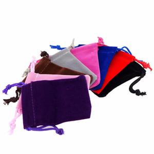 Velvet 50pcs Pouches doux Bijoux Cordons couleurs mélangées Cadeau Sacs d'emballage 5x7cm 7x9cm 9x12cm