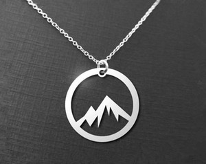 10pcs semplice natura ciondolo di neve montagna collana cerchio rotondo picco mountain collana catena montuosa natura amante collane gioielli