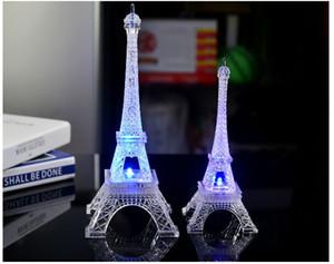 Regalos románticos del día de San Valentín 7 colores cambiantes de la torre Eiffel Led luces de la noche lámpara de iluminación de flash juguetes al por mayor envío gratuito