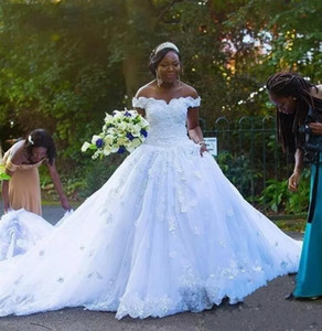 African A Line Tüll Brautkleider 2018 Off Schultern Spitze Appliques Brautkleider Kathedrale Zug Black Girls Brautkleider