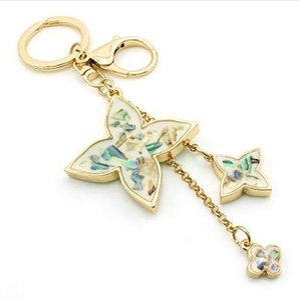 Charms JINGLANG Moda cor do ouro do metal fecho da lagosta Chaveiros Trevo Keychain For Women Handbag Jóias