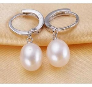 A pairs of 8-9mm Rice Natural Freshwater Pearl Earrings 925 Silver