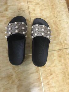 2018 new European fashion Womens sandali rigati Medusa spalla manica causalità antiscivolo estate pantofole pantofole cinesi quali