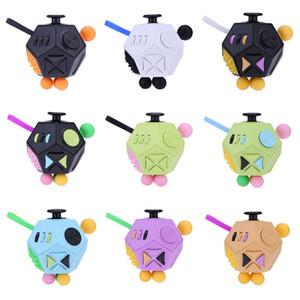 12 Side Magic Cube Generation 2 Fidget Cube Spremere Divertente Mitigatore antistress Nuovo giocattolo di decompressione per bambini adulti Bambini