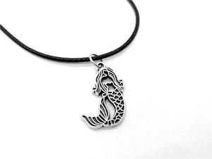 10 unids hueco collar de sirena Little Mermaid Sea-maid Fish Tail Silhouettes Cuerda collares de cuero para niños Ariel Beach Ocean joyería