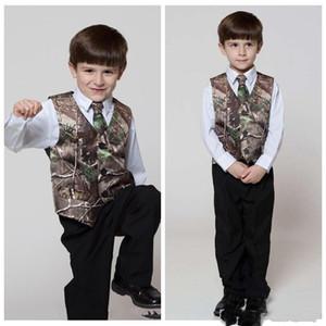 2019 Real Tree Camo Boy's Formal Wear Gilet con cravatta Camouflage Groom Boy Vest Cheap Satin Personalizzato formale Gilet da sposa Camouflage