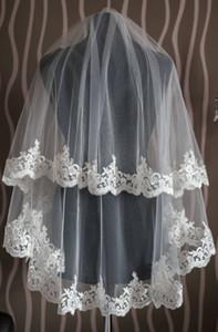 Pas cher court deux couches voile de mariée bout des doigts longueur dentelle Applique de mariage voile voile blanc ou ivoire avec peigne