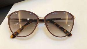 Женщины Dakota TM TF 0320 Shiny Black Пластиковые солнцезащитные очки светло-серый Градиентные солнцезащитные очки с оригинальной Case