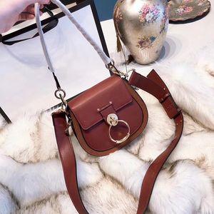 Freies Verschiffen neue europäische Art klassische Damen Umhängetasche Satteltasche Handtasche Schulter ITBag reine edle weiche 20 cm machen