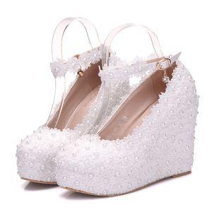 2019 Için Yeni Stil Beyaz Dantel Gelin Ayakkabıları Eğim Topuk Su Geçirmez Platformu Bir-Kelime Toka Düğün Parti Ayakkabıları