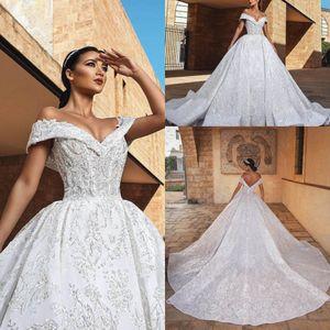 Bolas de cristal de lujo de encaje 2018 vestidos de novia apliques fuera del hombro magnífico tren de la iglesia más el tamaño de vestidos de baile nupcial Robe De Mariage