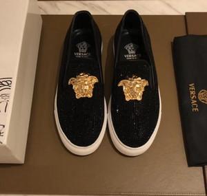 2018 جديد الرجال الأزياء الفاخرة عارضة أحذية الذهب بريق الترفيه الانزلاق على متعطل حذاء الرجل حزب اللباس التعشيب الأحذية