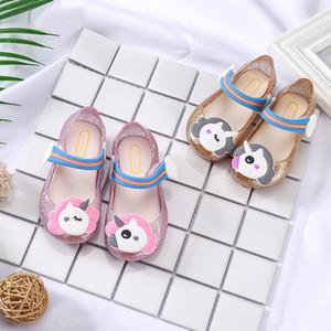 Sandalias de los niños Lovely Little Mary Led Light Sandals Regalo de dibujos animados Unicornio Transpirable de plástico zapatos del arco iris de color rosa dorado 19rx Ww