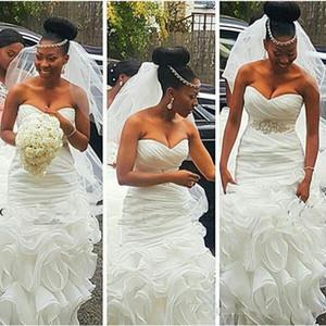 2018 propre et moderne sud-africain sirène robes de mariée Robes de mariée Plus Size abiti da sposa avec perles Ceinture Volants train Backless