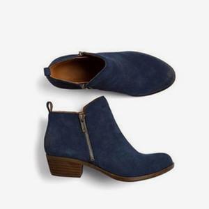 KHTAA 2018 nuove donne autunno inverno stivali punta a punta flock Zipper tacchi quadrati scarpe per le signore Solid PU stivaletti moda