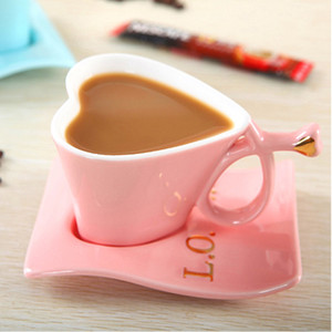 wholesale creative gift ceramic heart shaped mug cup with spoon coffee cup saucer Tea cup set for couple gift