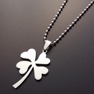 30 из нержавеющей стали Lucky Clover Шарм кулон ожерелье Лепесток Цветы Лаки Grass ожерелье Простой завод Amulet Clover Clover Necklacel