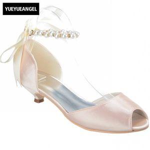Top Ladies Shoes 2018 New Pearl Lace Up Sandalias de tacón bajo para mujeres Luxury Peep Toe Bride Wedding Red Sole Footwear Plus Size
