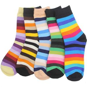 Nuevo 10 piezas = 5 pares = 1 lote Calcetines de mujer Algodón Estilo arcoíris Rayas coloridas Crew Short Sock Multicolor Mix Drop Shipping