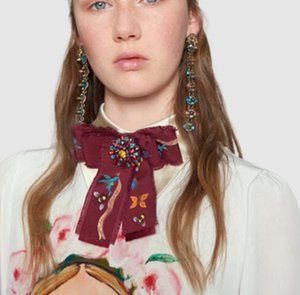 Broderie Vintage Imprimer Cravate Broches Cristal Strass Fleur Corsage À La Main Bowknot Collar Pins Shirty Robe Accessoires
