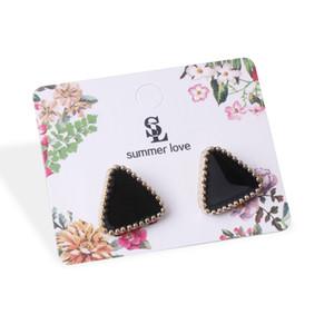 Simples New Western Triângulo Geométrico Brinco cor diferente doces brincos para mulheres pequeno brincos coreano estilo da jóia