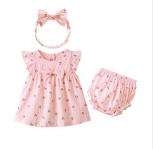 Sevimli Yaz Bebek Kız Giyim Genel Takım Elbise Yarasa Kollu Pembe Kiraz Çilek 3 adet set Elbiseler Bebekler için Külot ve Kafa