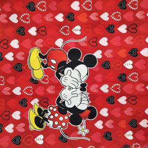 Nuevo 140 cm de tela ancha 100% tela de algodón Vestido de estampado de corazón inferior rojo Material de costura DIY ropa de niño