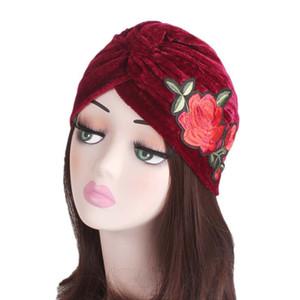 Femmes musulmanes Stretchy Print Fleur Volants Velours Chaud Turban Chapeau Écharpe Chemo Bonnet Casquettes Wrap Plated pour Accessoires Cheveux