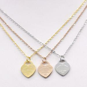 Aço inoxidável em forma de coração colar T colar curto feminino jóias 18k titânio pêssego colar de pingente de coração de ouro para o homem